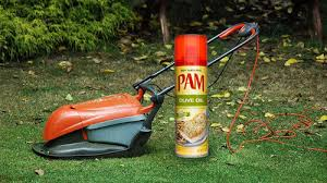 Spray Your Mower's Blades to Keep Clippings From Sticking